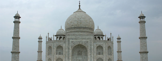 Taj Mahal - Agra: An exotic place to spend vacations